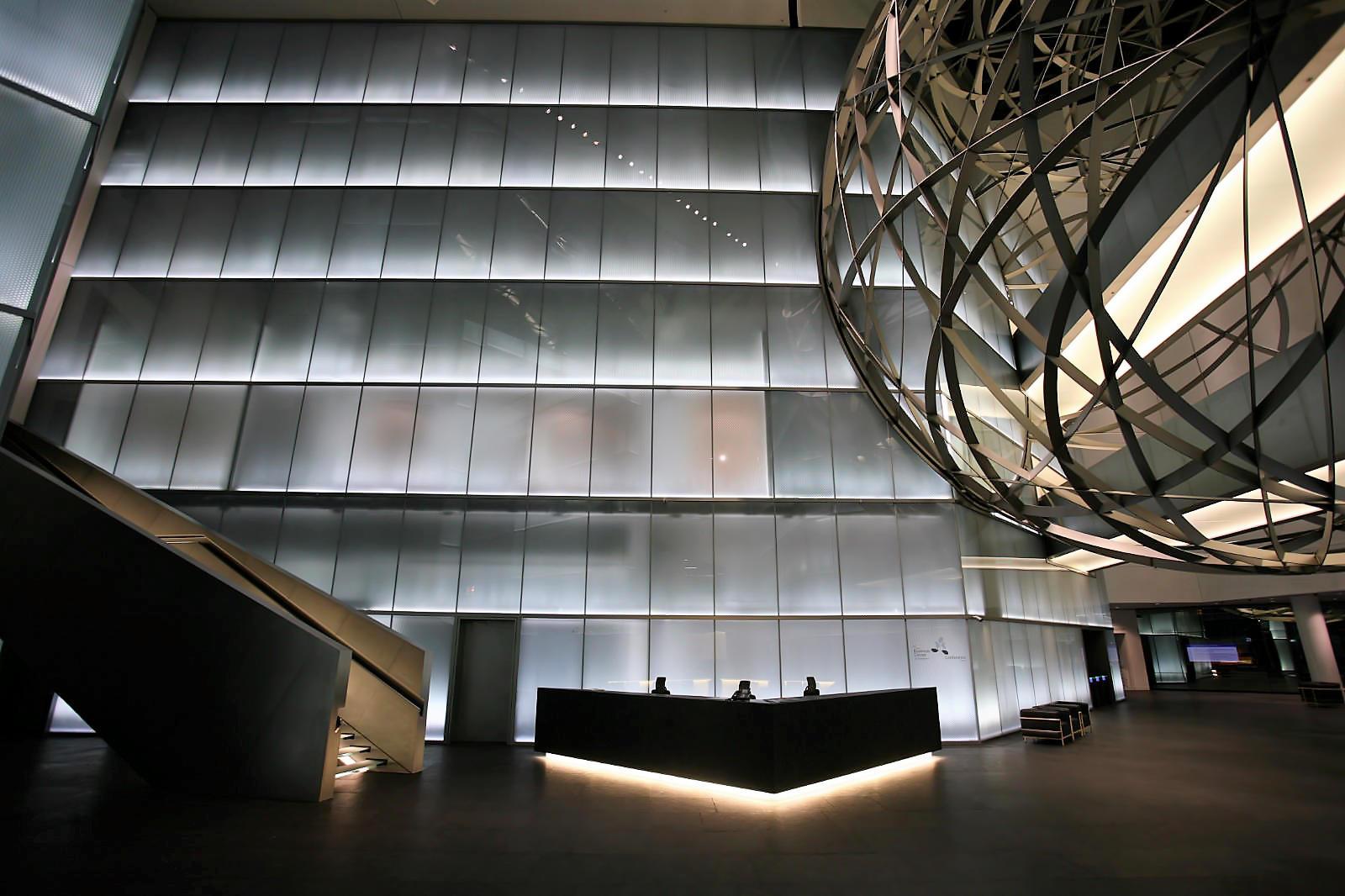 2 LED Lichtsysteme Bank Frankfurt
