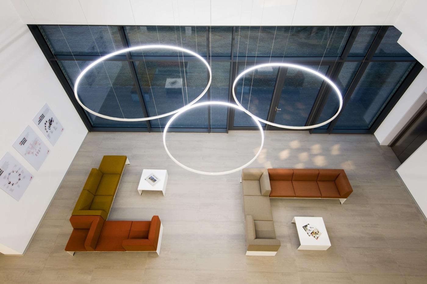 3 LED Pendelleuchten Loop Line Bruchköbel
