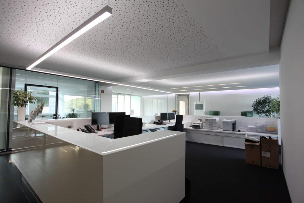arbeitsbereich mit lichtsysteme estol